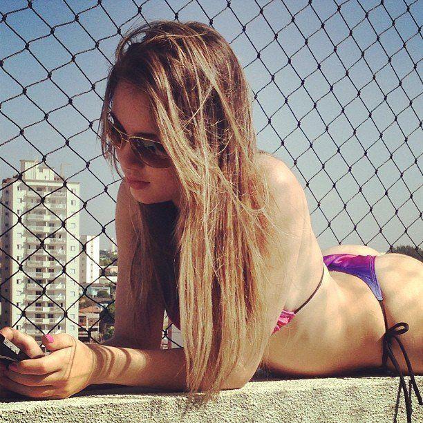 Fotos-Bianca-Montes-a-nova-gostosa-do-facebook-44