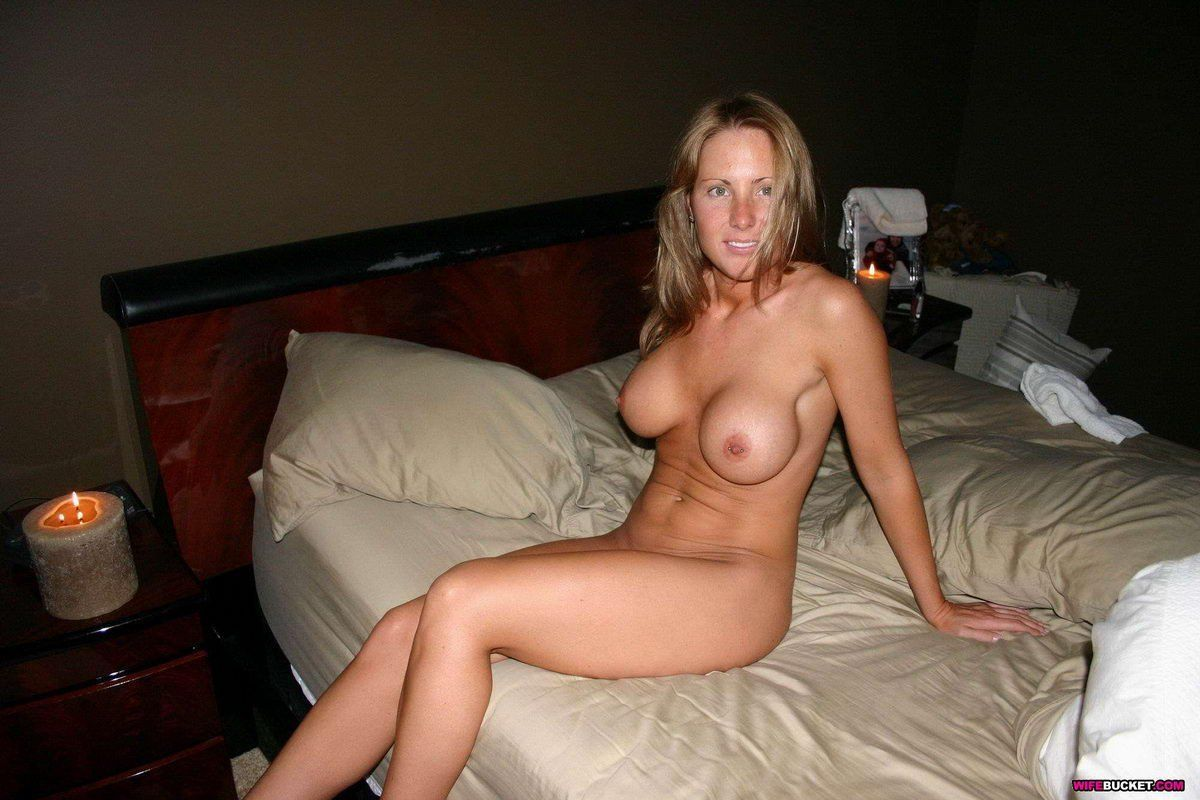 amadoras-peladas-mostrando-a-buceta-19