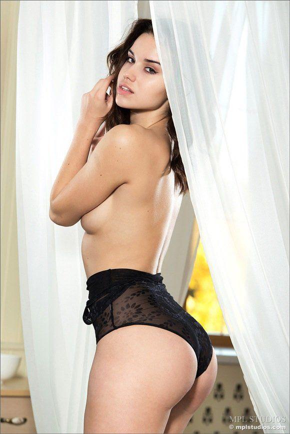morena-gostosa-linda-novinhasnudes-sexy4