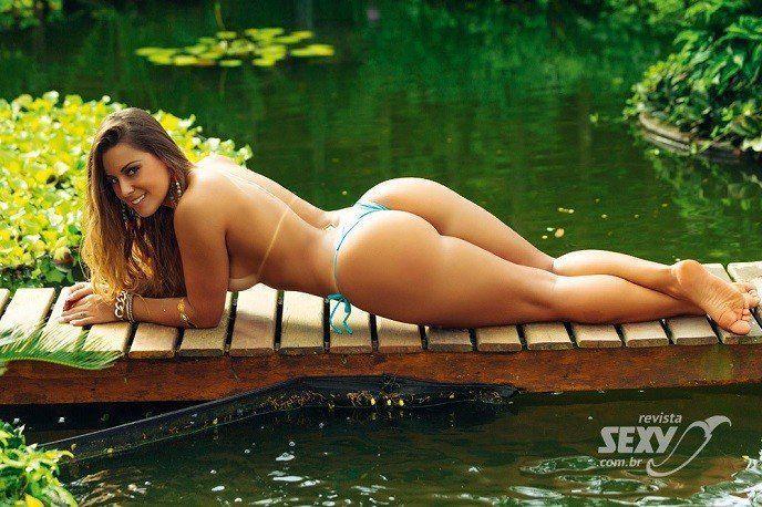 Panicat Aricia Silva nua na Sexy de Março de 2015