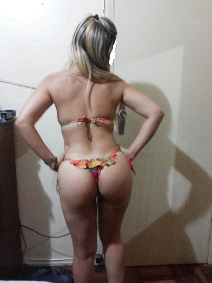 Novinha-deliciosa-mostrando-o-seu-corpo-gostoso-3