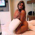 Peituda cavala tirou fotos no motel