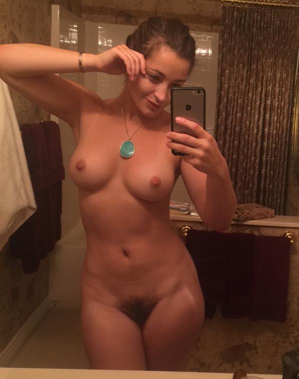 Fotos-amadoras-da-pornstar-Dani-Daniels-amateur-nude-12