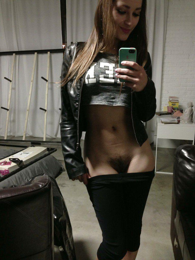 Fotos-amadoras-da-pornstar-Dani-Daniels-amateur-nude-22