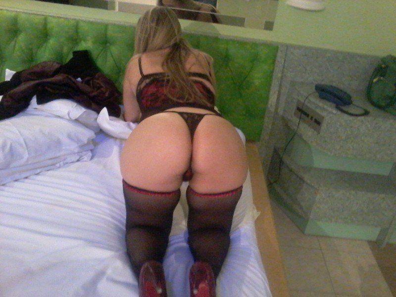 Gordinha-bunduda-no-motel-lingerie-3