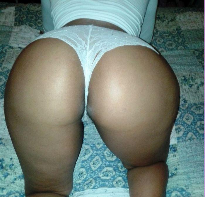 esposa-gostosa-mostrando-a-buceta-em-fotos-intimas-19