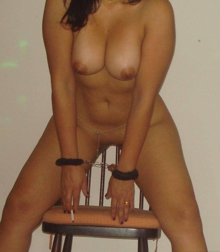 esposa-gostosa-mostrando-a-buceta-em-fotos-intimas-9