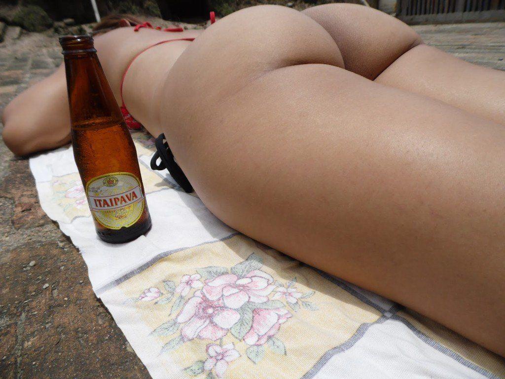 gostosa-na-bicicleta-de-biquni-11