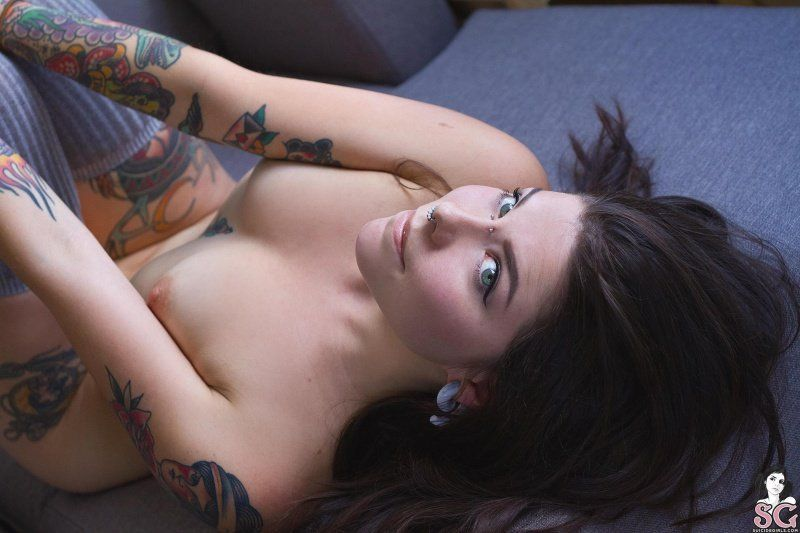 doee-suicide-girls-34