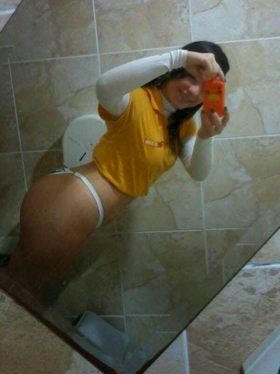 Novinha-mandou-nudes-no-WhatsApp-e-caiu-na-net-17