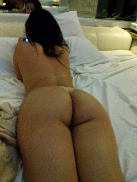 Novinha-mandou-nudes-no-WhatsApp-e-caiu-na-net-3