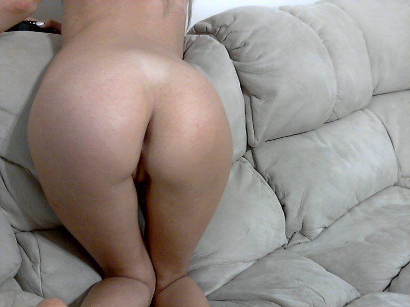 loirinha-magrinha-gostosa-na-webcam-28