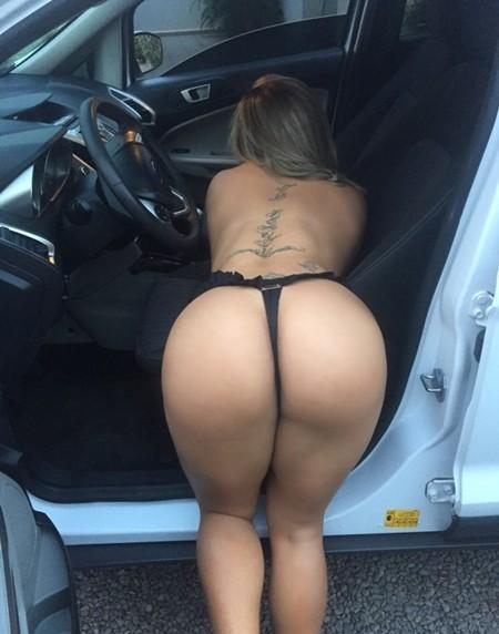 puta-pelada-no-estacionamento-do-motel-15