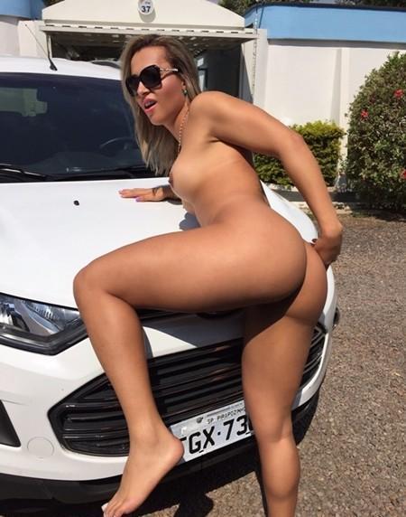 puta-pelada-no-estacionamento-do-motel-18