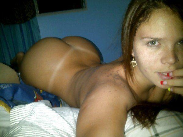 selfie-peladinha-na-cama-9
