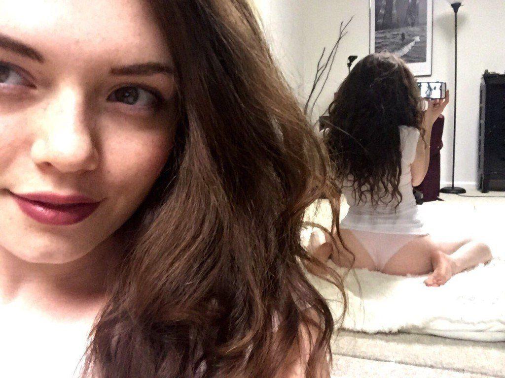 Emerson-Cane-a-beldade-que-adora-postar-nudes-no-Tumblr-1