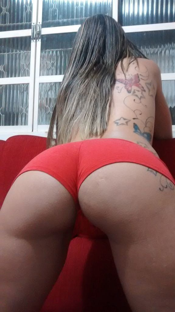 Fotos-da-namorada-magrinha-tatuada-5