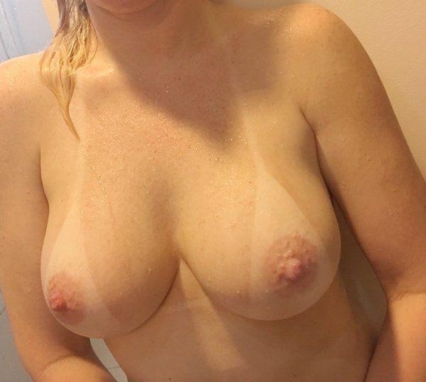 Mamãe-amadora-gostosa-com-um-corpo-perfeito-23