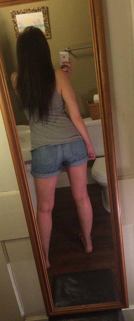 Gatinha-peituda-selfies-nude-no-espelho-2