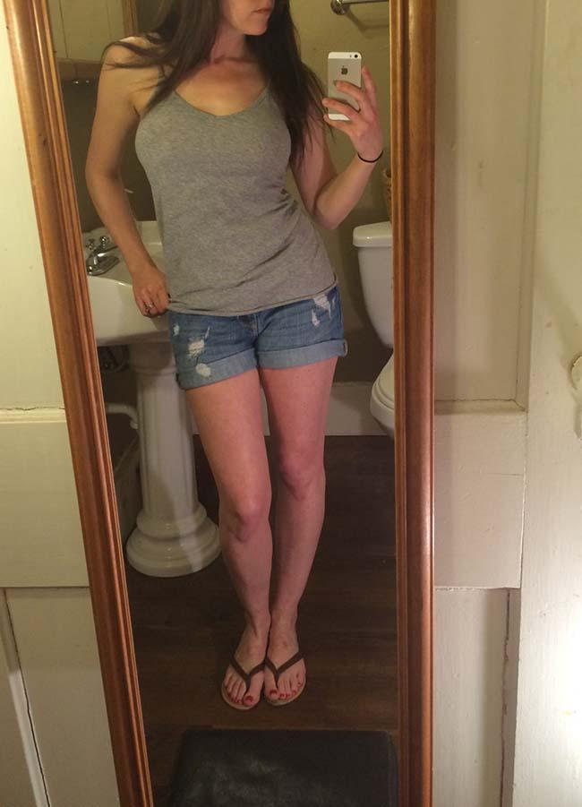 Gatinha-peituda-selfies-nude-no-espelho-8