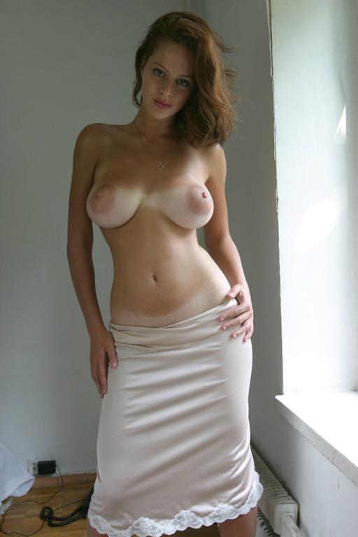 Ester-a-novinha-dos-peitos-naturais-mais-perfeitos-que-você-vera-hoje-19