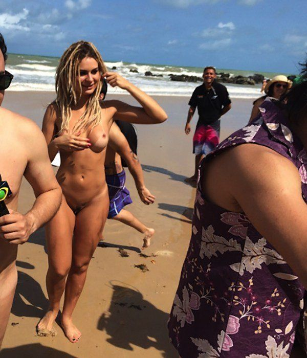 mendigata-nua-na-praia-4